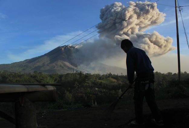 ew 10-30-14 volcano