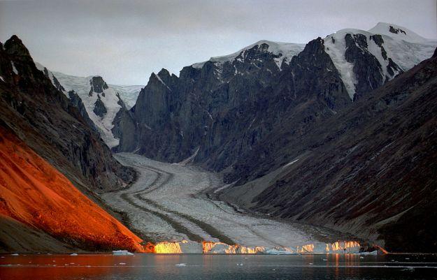 Franz Josef Fjord, glacier, Greenland. Jerzy Strzelecki. CC BY-SA 3.0 unported. Wikimedia Commons