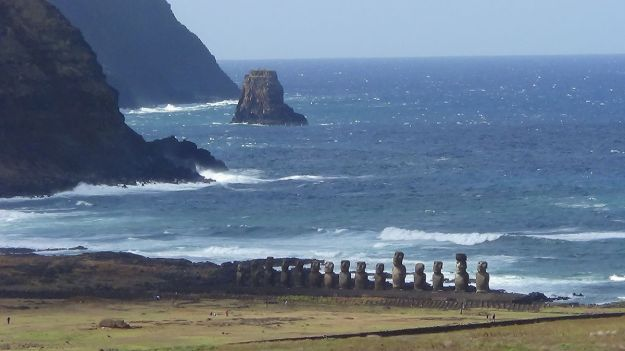 Statues on Easter Island are threatened by rising seas. Photo by Aupaelfary. CC BY-SA 3.0 unported. Wikimedia Commons.