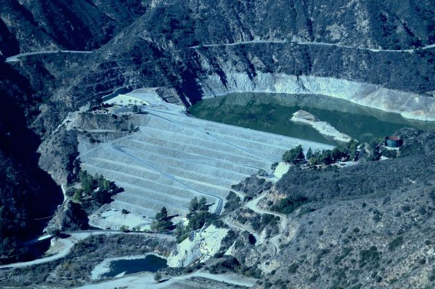 San Gabriel Dam in Los Angeles County, 2013. Photo by Shannon1. CC BY SA. Wikimedia Commons.