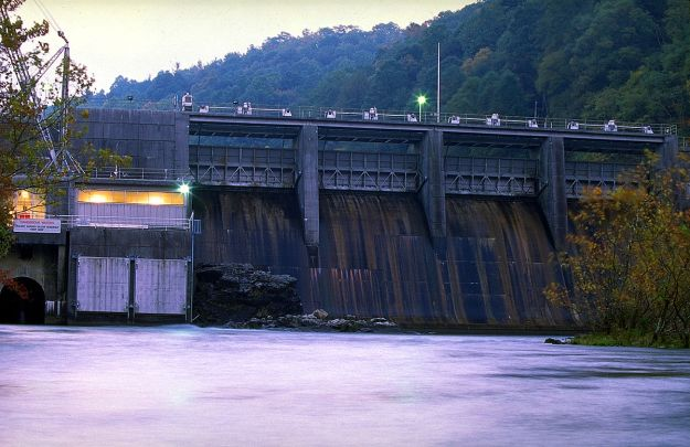 The Wilbur Dam.Tennessee Valley Authority photo. Public domain.