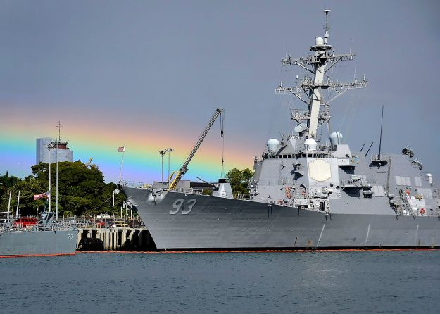 USS Chung-Hoon (Photo by Petty Officer 2nd Class Daniel Barker. Public Domain. Wikimedia Commons)