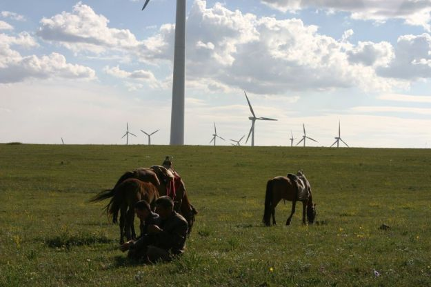 Huitengxile wind farm, Inner Mongolia (Photo by Steven Buss, CC BY SA, Wikimedia Commons)