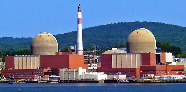 Indian Point nuclear plants.Daniel Case / Wikimedia