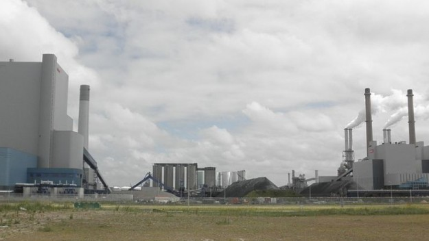 New Dutch coal plant (Photo: Wikimedia Commons / Zandcee)