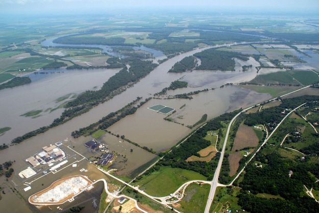 Fort Calhoun nuclear plant in the flood of 2011. US Army Corps of Engineers photo.