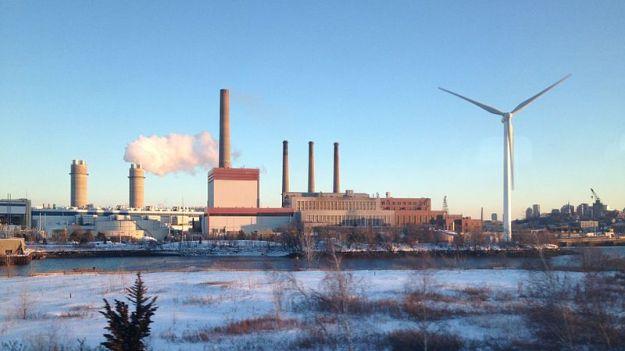 Mystic Generating Station, Everett, Massachusetts (Photo: Fletcher6, Wikimedia Commons)