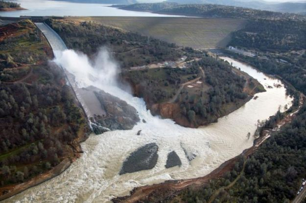 Rushing water at the Oroville Dam (Dale Kolke / California Department of Water Resources / Reuters)